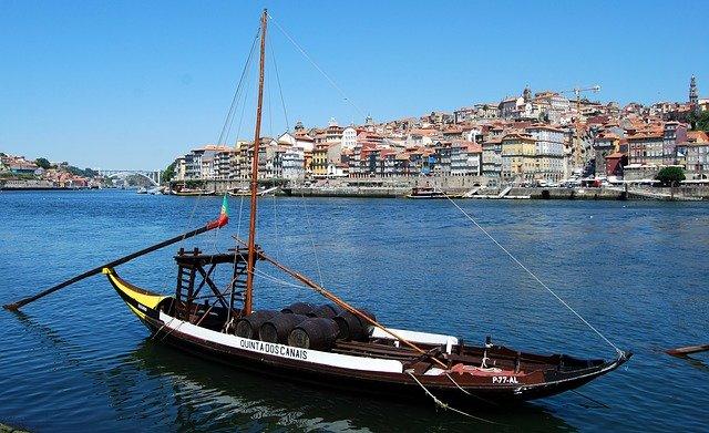 starověká loď