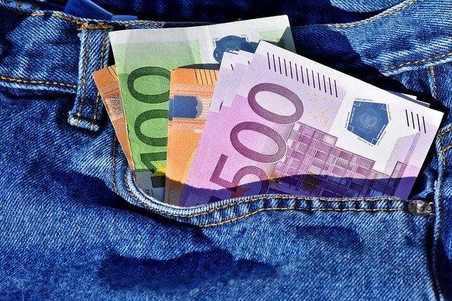 bankovky v kalkotech.jpg