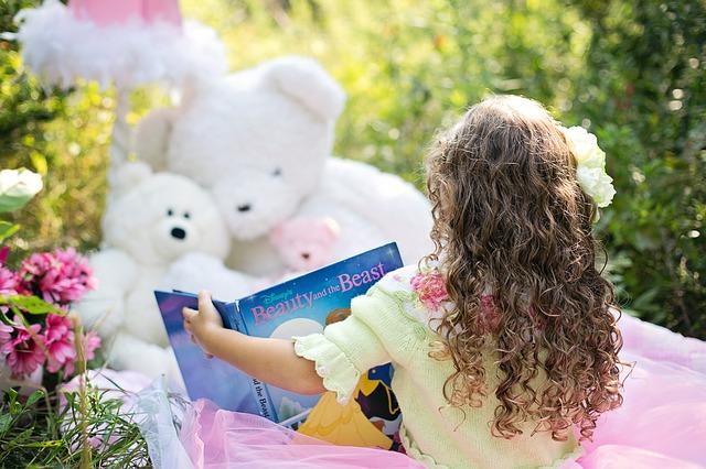 čtení plyšákům